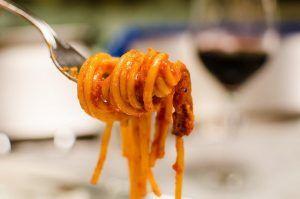 Molho Amatriciana e espaguete alla amatriciana com thermomix