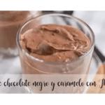 Mousse de chocolate preto e caramelo com Thermomix